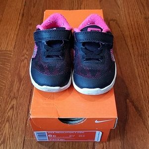 Nike Revolution Toddler Sneakers.